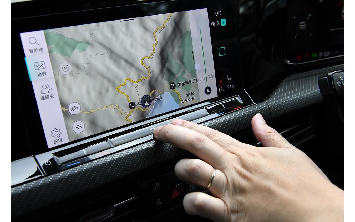 VW ゴルフ 新型のタッチパネルコントロール