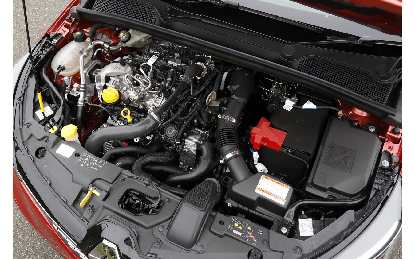 ルノー ルーテシア 新型試乗 1.3L 直列4気筒16バルブ直噴ターボチャージャーエンジン(最大トルク240N・m 最高出力131ps)
