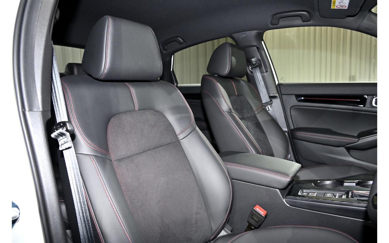ホンダ シビック 新型のシートはグレードで形状が異なる。写真は「EX」