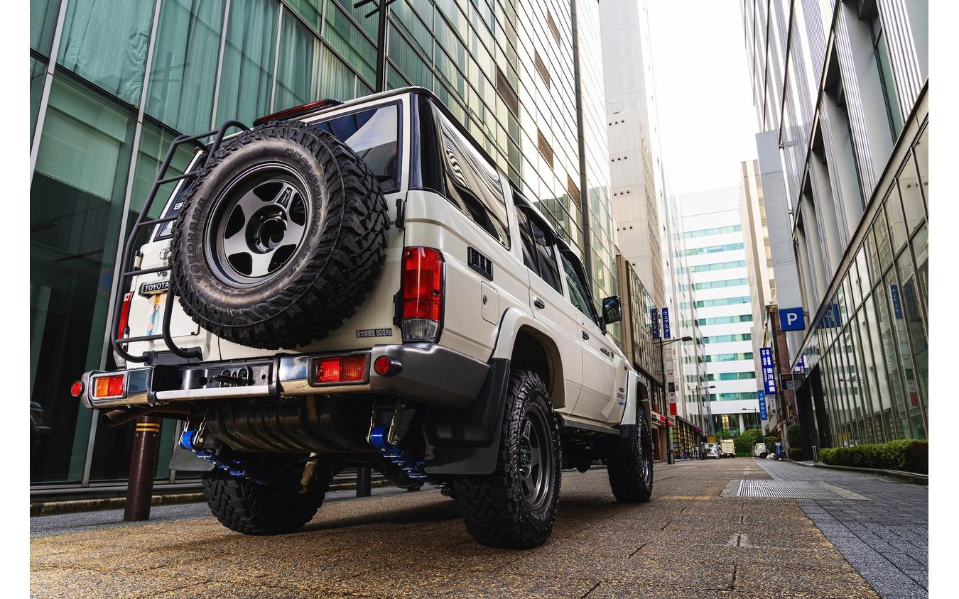 「カントリーサスペンションキット」の装着でタイヤ&ホイールのサイズアップと、オフロード走行性能の両立が可能となる