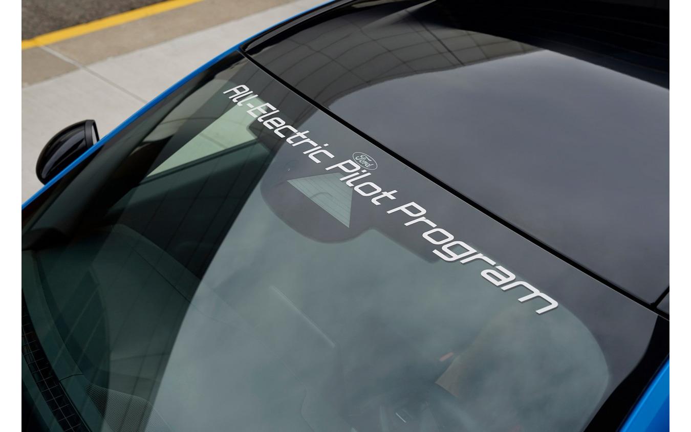 フォード・マスタング・マッハE をベースにした警察車両のプロトタイプ