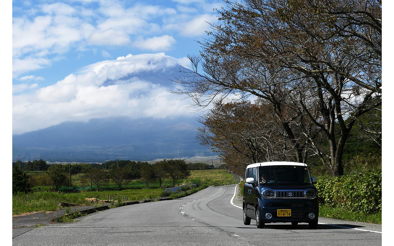 スズキ ワゴンR スマイル(ハイブリッドX 2WD)