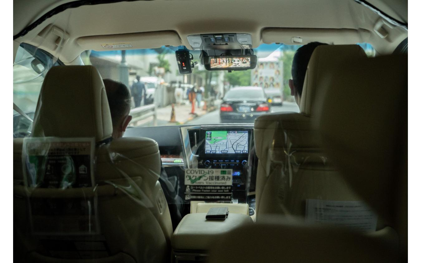 交通量の多いエリアで運行する『mobi』