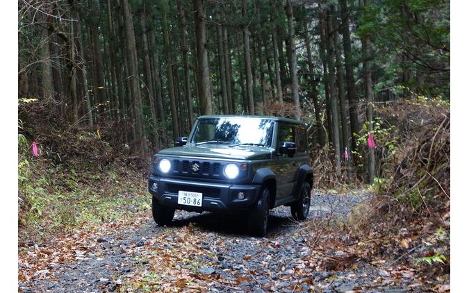 北茨城の林道を走行中。