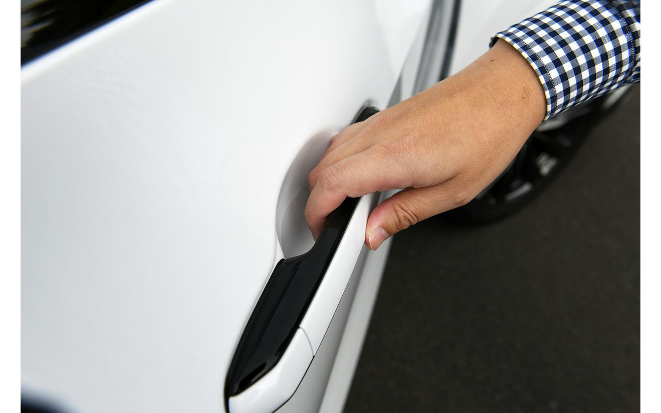レクサス NX 新型に採用された「e-ラッチシステム」