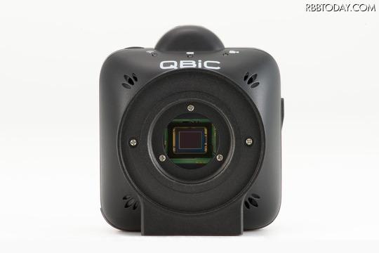 「QBiC CS-1」は「QBiC MS-1X」をベースに、CSマウントを搭載したモデル。対角185度を超える魚眼レンズを装着することが可能になった(画像はプレスリリースより)