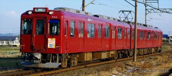 引退する600系D03編成。近鉄養老線時代と同じマルーン色で運行されている。