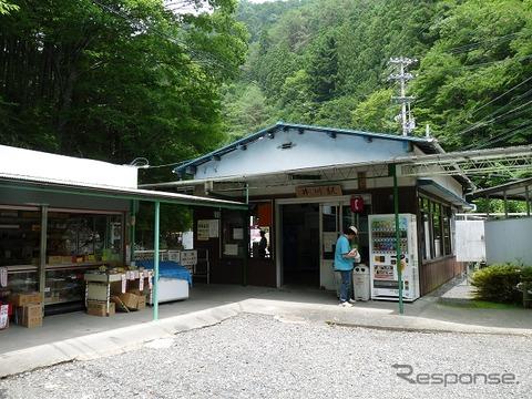 大井川鐵道井川線の終点・井川駅。同駅を含む接岨峡温泉~井川間が土砂崩れの影響により不通となっているが、11月頃に再開の見込みとなった。