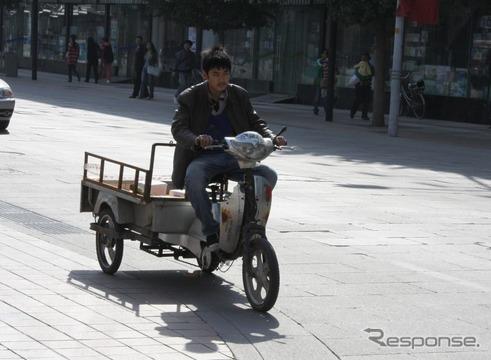 業務用の3輪電動バイク