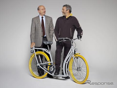 フィリップ・スタルク氏(右)とボルドー市長アラン・ジュペ氏