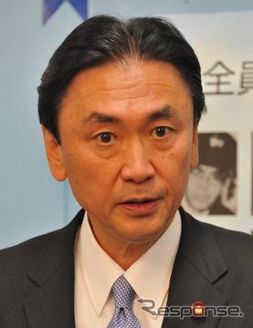納得できる取締りに変えていこうとする古屋圭司国家公安委員長(7日・内閣府)