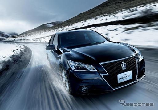 トヨタ・クラウン Hybrid アスリートG Four