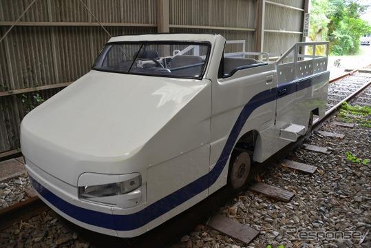 高千穂あまてらす鉄道が新たに導入したスーパーカート「ハヤタケル号」。9月から運行を開始した。