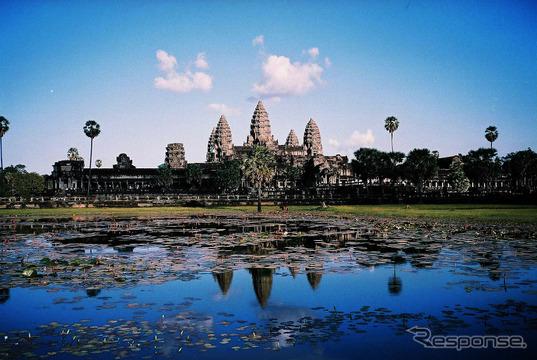 カンボジアで「プノンペン国際モーターショー」開催…新車需要高まる
