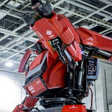 年明けに「在庫切れ」となった3.8mのロボット「クラタス」、再び入荷 ─ 価格は1億2,000万円、送料は350円