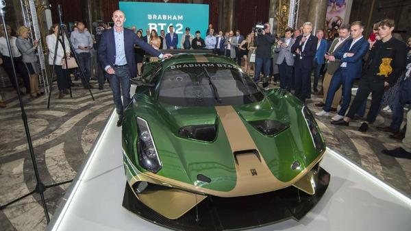 元F1デビッド・ブラバム、新型スーパーカー発表…710psのV8を972kgの軽量ボディに搭載