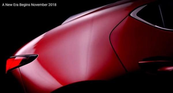 マツダの新型車、ティザーイメージ… アクセラ 次期型か?