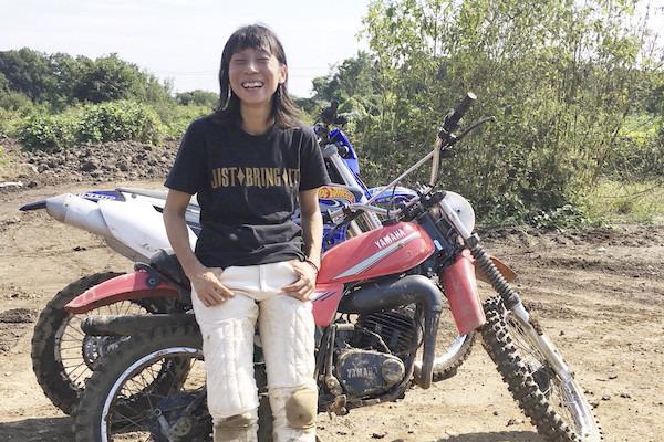【バイク女子】「とにかくフットワークの良さが大事」フォトグラファー 藤村のぞみさん
