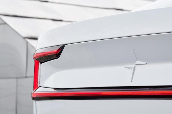 ポールスター2、新型EVセダンを発表へ 2月27日にライブ配信を予定