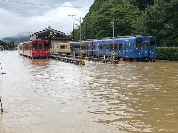 社員は全員無事、熊本県のくま川鉄道が被災状況を公表…『ななつ星』は運行再開を延期 令和2年7月豪雨
