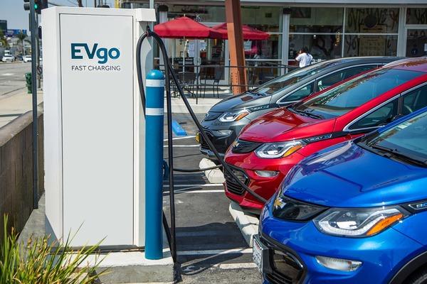 GMが急速充電ネットワークを3倍に拡大…今後5年間に米国で | レスポンス(Response.jp)