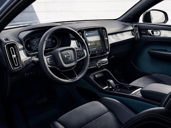 ボルボカーズ、新型EV全車をレザーフリーに…C40リチャージ から   レスポンス(Response.jp)