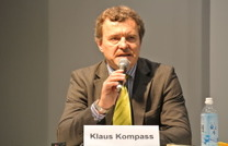 【ITS世界会議13】BMWコンパス氏「自動運転はあくまでアシスタント」 画像