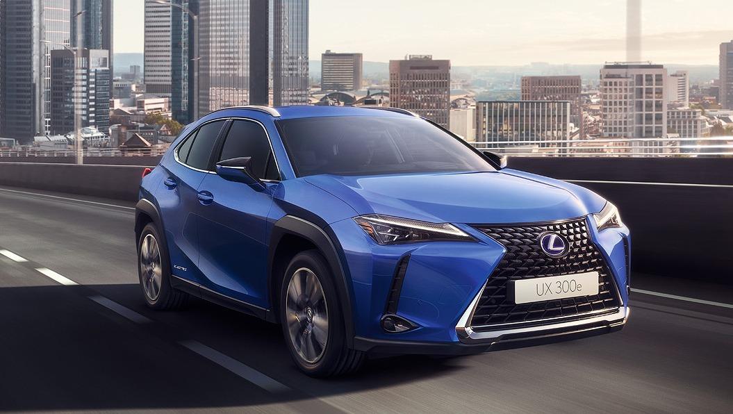 レクサス初の市販EV『UX300e』、商談開始…価格は580万円より ...
