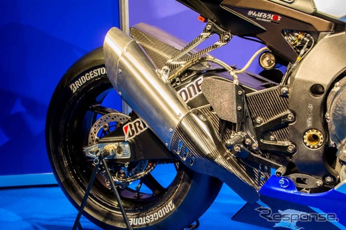 新型YZF-R1(YAMAHA FACTORY RACING TEAM)