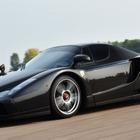 事故で真っ二つのエンツォ フェラーリ、完全修復で高値落札…2億超え