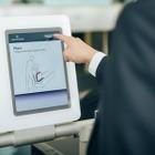 キャセイパシフィック航空、香港国際空港に自動手荷物預け機を導入