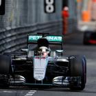 【F1 モナコGP】雨の決勝は波乱の連続、ハミルトン待望の今季初優勝