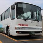 東芝、ワイヤレス充電採用の中型EVバスで高速道路の実証走行を開始