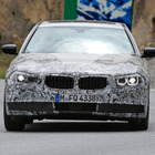 BMW 5シリーズ 次期型、「イカリング」光らせ颯爽と登場