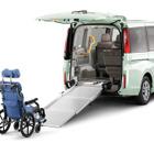 【福祉機器展15】ホンダ、ステップワゴン 車いす仕様車などを展示