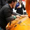 【東京オートサロン2017】実演デモ:10分でランボルギーニのボンネットをエンボス仕上げ