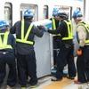 東西線「初」九段下駅に大開口ホームドア…東京メトロ、設置作業を公開