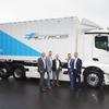 メルセデスの大型EVトラック、試験運用を開始…2021年から量産予定