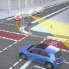 信号機のセンサーが自転車や歩行者を検出しドライバーに警告、VWがV2Xの公道実験