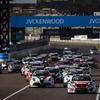 【WTCR 鈴鹿】決勝3レースはアルファ、VW、ヒュンダイが勝利を分け合う…56歳タルクィーニが王座に向け前進