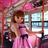 車内がリカちゃんで飾られたバス、運行開始---車体はラッピング[詳細画像]