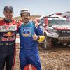 フェルナンド・アロンソ、2019年ダカールラリー優勝のトヨタ・ハイラックスを砂漠でテスト