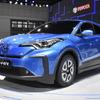 トヨタ C-HR EV & イゾアEV、中国EV戦略の先陣を切る…上海モーターショー2019