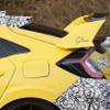 翼にはニュルの証…ホンダ シビックタイプR、カーボン採用の限定モデルか