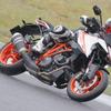 現代の高性能バイクはサーキットで堪能すべき! ピレリが走行会を開催する理由