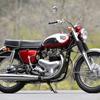 """右足でギアチェンジ!? カワサキビッグバイクの元祖「W1」に試乗して再認識した""""魂""""と進化"""