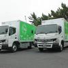 三菱ふそう、東京納品代行にEV小型トラック2台を納入 日本初の「ハンガー仕様」