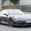 ポルシェ 911「ターボS」新型、エンジン進化で640馬力へ!