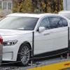 BMW 7シリーズ も完全電動化か、極秘テスト車両を目撃…メルセデスEQSに対抗