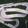 中国で最も危険な峠道、ドリフトで攻めるピックアップ…ケン・ブロック[動画]